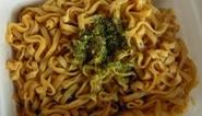 マルちゃん 焼うどん弁当-2